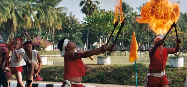Sukhothai Loy Krathong parade stress
